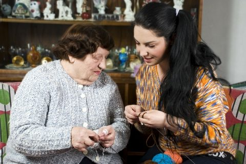 knowing-when-to-consider-home-care-services-for-seniors